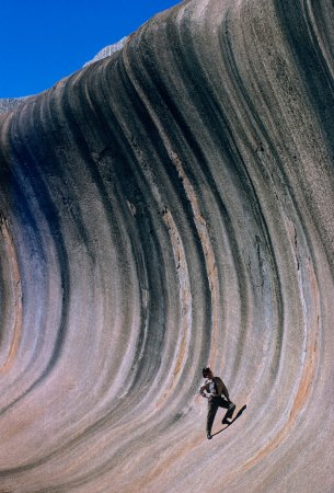 Каменная волна, сформированная ветром и дождями, Австралия, 1963 год