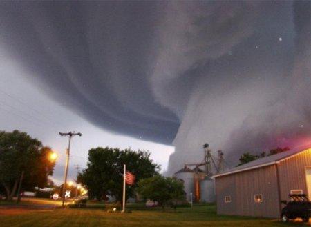 Торнадо – Айова, Соединенные Штаты (июнь 2008)