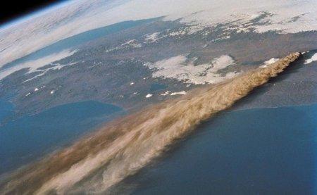 Вулкан Ключевской – (Сентябрь 1994 в России)