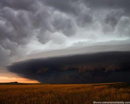 ураган над полем
