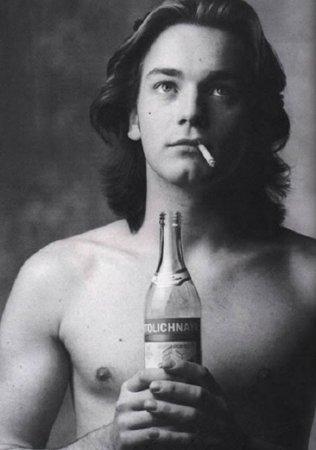Эван МакГрегор и водка «Столичная».