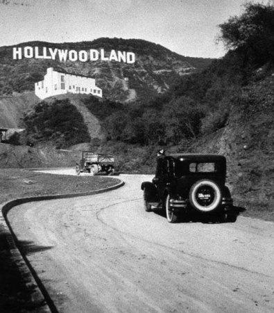 """Мало кто знает, что раньше в надписи """"Голливуд"""" было ещё четыре буквы"""