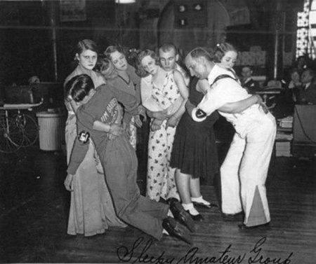 Пары, вышедшие в финал чикагского танцевального марафона 1930 года