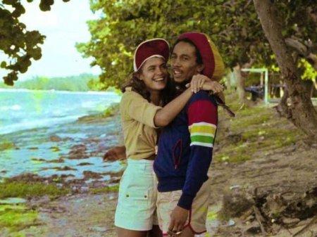 "Синди Брейкспир, ""Мисс Мира"" 1976 года, и Боб Марли. Синди - мать Дэмиана Марли"