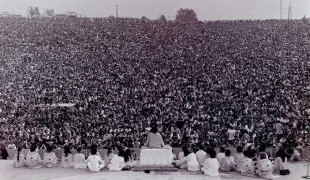 1969 год, церемония открытия фестиваля Вудсток