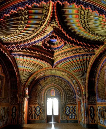 Зал павлинов в замке Саммеццано, Тоскана