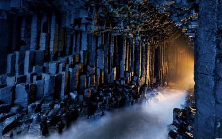 Пещера Фингала, остров Стаффа, Шотландия