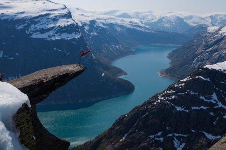 Язык тролля на горе Скьеггедаль, Норвегия