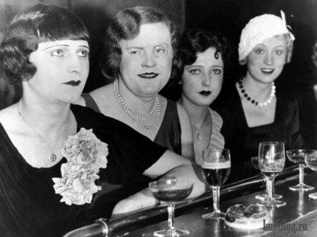Трансвеститы в ночном клубе. Берлин, 1929 год.