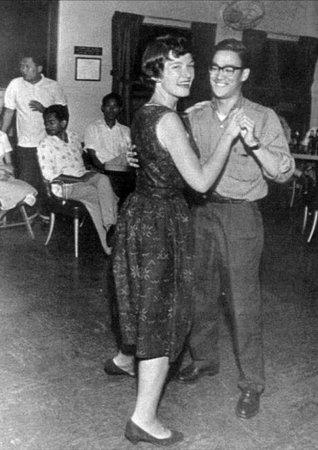 Танцующий Брюс Ли